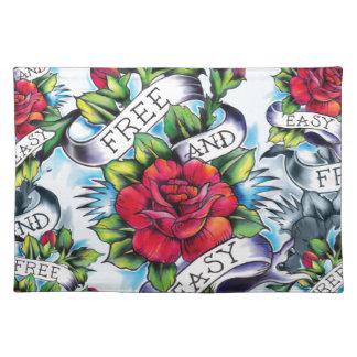 Libere - y - los rosas y la bandera fáciles del ta manteles individuales