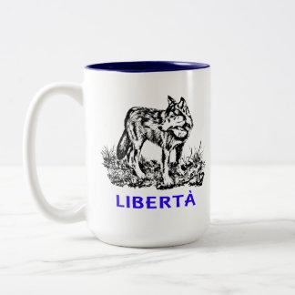 Libertà - Lupo allo stato selvatico Two-Tone Coffee Mug