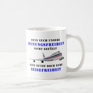 Libertad de expresión y democracia tazas de café