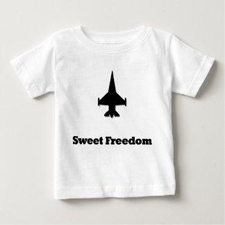 Libertad del dulce del avión de combate playera de bebé