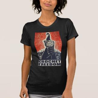 Libertad del ganchillo - la camiseta de las mujere