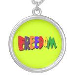 Libertad en collar de los colores