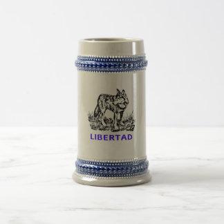 Libertad - Lobo en la naturaleza Jarra De Cerveza