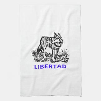 Libertad - Lobo EN la naturaleza Kitchen Towels