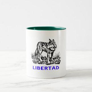 Libertad - Lobo EN la naturaleza Mugs