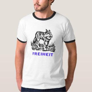 Libertad - lobo en región salvaje playera