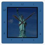 Libertad que aclara el mundo - estatua de la liber relojes