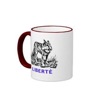 Liberté - Loup dans la nature sow-vaguely Ringer Mug