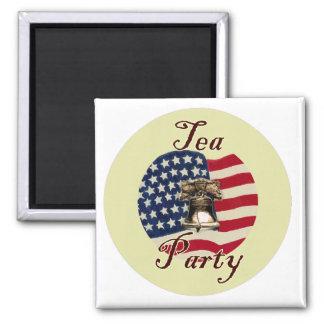 Liberty Bell y fiesta del té de la bandera Imán Cuadrado