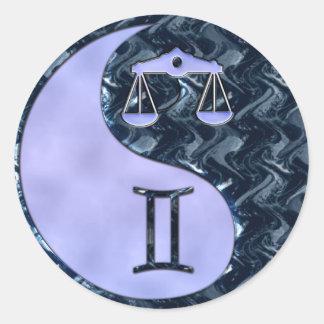 Libra Yin Yang Pegatina Redonda