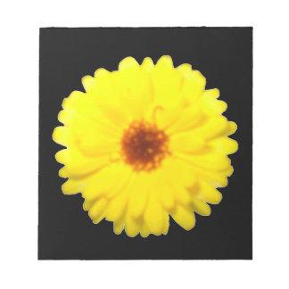 Libreta amarilla fluorescente de la maravilla bloc de notas