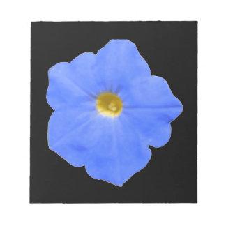 Libreta azul y amarilla de la petunia bloc de notas