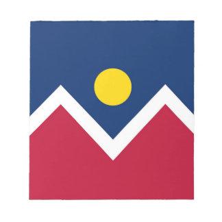 Libreta con la bandera de la ciudad de Denver est Bloc