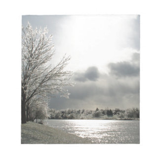 libreta con la foto del paisaje helado del bloc de notas