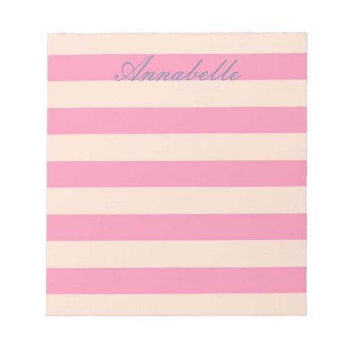 Libreta horizontal de las rayas del rosa dulce de  libreta para notas