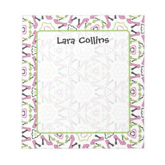 Libreta rosada y verde del modelo del zapato del t bloc de notas