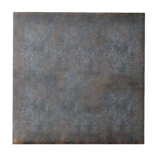 Libro de cuero apenado antigüedad teja cerámica