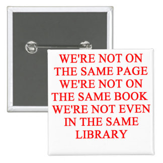 libro de la biblioteca pin cuadrado