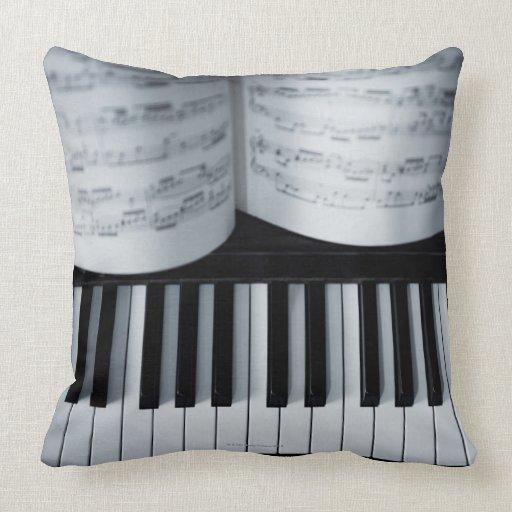 Libro de las llaves y de música del piano almohadas