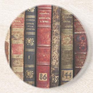 Libro viejo posavasos diseño
