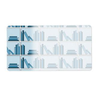 Libros azules en estante etiqueta de envío