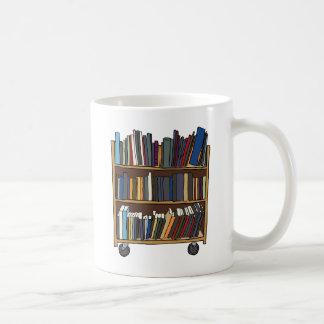 Libros de la biblioteca taza