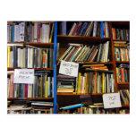 Libros de margen izquierda tarjetas postales