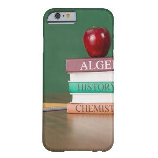 Libros de texto y funda para iPhone 6 barely there