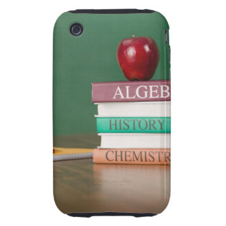 Libros de texto y una manzana tough iPhone 3 protectores
