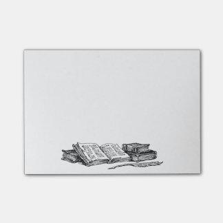 Libros del vintage y canilla Stickies de la Post-it® Notas
