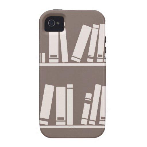 Libros en el estante para leer el amante o al iPhone 4 funda