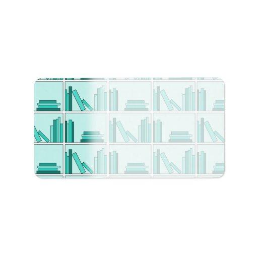 Libros en estante. Diseño en trullo y Aqua. Etiqueta De Dirección
