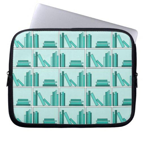 Libros en estante. Diseño en trullo y Aqua. Fundas Ordendadores
