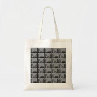 Libros en estante. Gris y negro Bolsas Lienzo