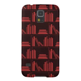 Libros en estante. Rojo oscuro. Funda Para Galaxy S5