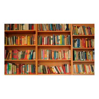 Libros en fondo del estante plantilla de tarjeta personal