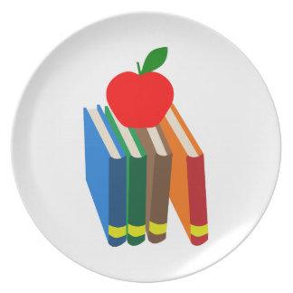 libros escolares platos