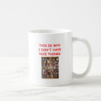 libros tazas de café