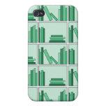 Libros verdes en estante iPhone 4 cárcasas