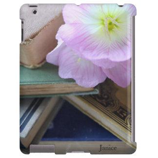 Libros viejos con las flores rosadas funda para iPad