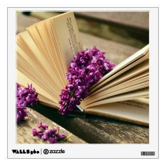 Libros y flores vinilo decorativo