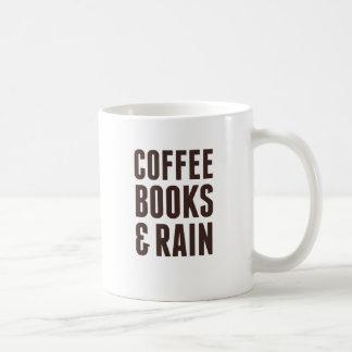 Libros y lluvia del café taza