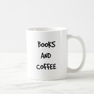 Libros y taza de café