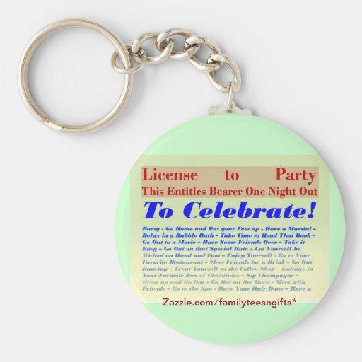 Licencia de ir de fiesta llavero redondo tipo pin