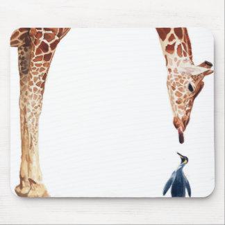 """Licker con acuarela de la jirafa del pingüino"" Alfombrilla De Raton"