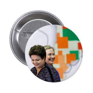 Líderes femeninos: Dilma y Hillary Pin Redondo De 2 Pulgadas