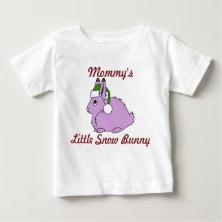 Liebres árticas purpúreas claras con el gorra playera de bebé