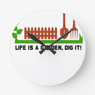 Life and Garden dig it Round Clock
