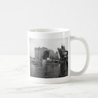 Lifting Bridge, Buffalo, NY: 1900 Coffee Mug
