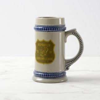 Liga de consumición del reportero jarra de cerveza